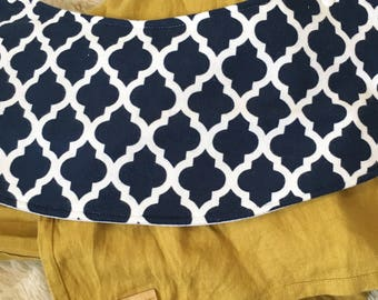 Navy Quatrefoil Oliebib - babywearing bib and burp rag, full coverage and waterproof!