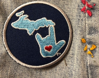 ILY Michigan Round Patch 2-1/4""