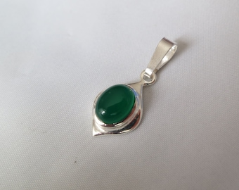 Green onyx pendant set in 92.5 sterling silver