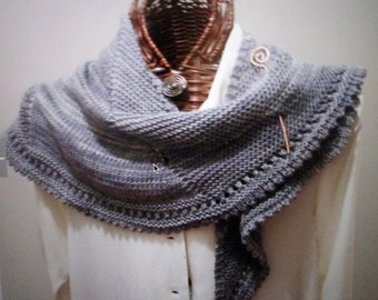 CHARCOAL CHIC Knitted Scarf Pattern