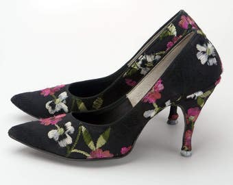 1960s Black Flower Embroidered Stiletto Shoes by Holiday