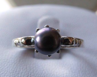 Sterling Silver Scroll Ring set with 6mm Iris Freshwater Pearl