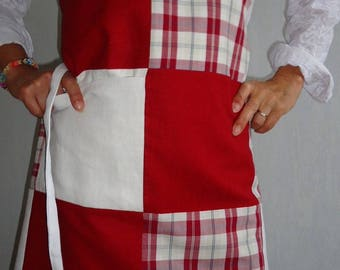 Apron with patchwork Plaid linen Garnet and white canvas with small charms - Plaid patchwork apron and covered charms