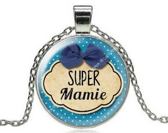 Necklace with pendant and Grandma 8 glass cabochon