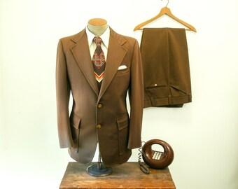 1970s 2 pc Polyester Suit Mens Vintage Disco Era Dark Brown Suit Jacket / Sport Coat / Blazer & Pants By JCPenney - Size 42 Long (LARGE)