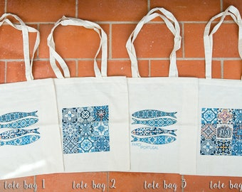 Tote bags with azulejos.