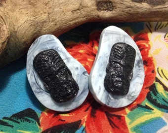 Tiki Earrings - Rockabilly Retro - Kidney Boomerang Retro Shape - Kitsch Novelty - Marbled