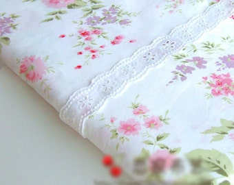 White Large Floral Cotton suitable for Bedding Sheeting Curtain Homeware Craft 1 Yard