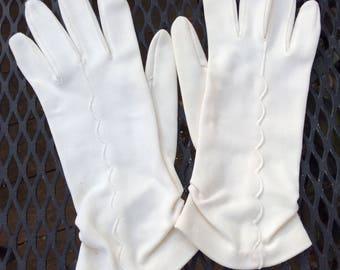 Vintage ivory short ladies dress gloves