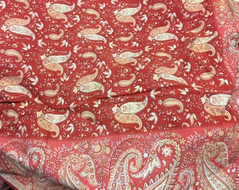 Stunning vintage French provincial paisley designer square tabelclotb