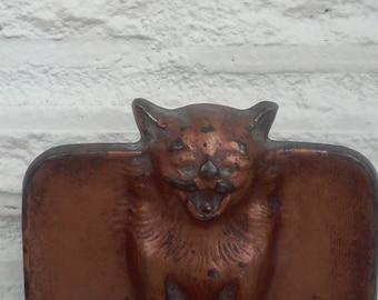 Antique 1925 Cast Iron Bat Cat Bookend