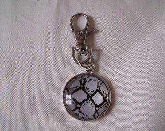 LIQUIDATION keychain silver snake skin pattern black and white