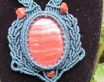 natural stone macrame necklace