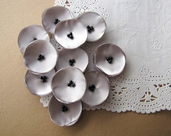 Tiny silk flowers, singed satin flower appliques, flowers for wedding crafts, floral embellishments, mini poppy (10pcs)- SILVER GRAY POPPIES