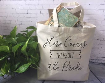 Bride tote bag/canvas tote bag//bridal shower gift/here comes the bride/bachelorette party tote bag/engagement party gift/wedding tote