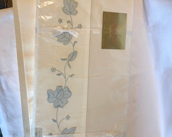 Vintage Wamsutta Supercale hand embroidered single flat sheets (2) 72in x 108in (1) NIP