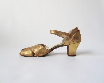 Vintage 1920s Dress Evening Shoes in Gold Metallic 7.5 8