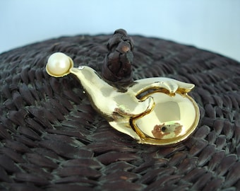 Vintage Brooch - Pin - Seal on a Ball- Gold Metal - Fashion Jewelry -  White Bead Pearl - Circus Pin