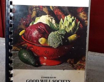 """vintage cookbook, """"bickleton's best bites"""""""