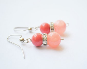FREE SHIPPING,coral pink earrings,Coral earrings,pink coral earrings,coral beaded earrings,salmon pink earrings,pink beaded earrings,
