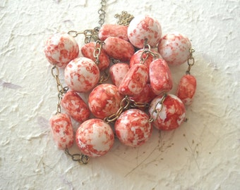 Vintage Beads - Red and White Speckle Pattern Plastic Bead String