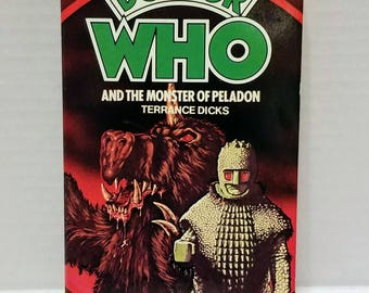 """Vintage 1980 """"Doctor Who And The Monster Of Peladon"""" Target Paperback Novel #43 featuring The Ice Warriors!"""