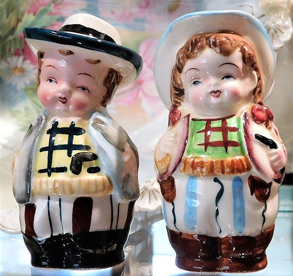 Cowboy Cowgirl Shakers / JAPAN Salt Pepper Shakers / Vintage / Country Kitchen / Mid Century
