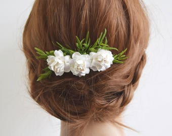 White Rose Flower Comb, bridal floral comb, bridal hair accessory, bridal headpiece, bridesmaid comb, flowergirl comb, white and green comb
