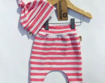 Organic new baby gift set. Organic cotton harem+hat in 'Coral Stripe'/Baby shower/baby boy/baby girl/coming home outfit/baby gift
