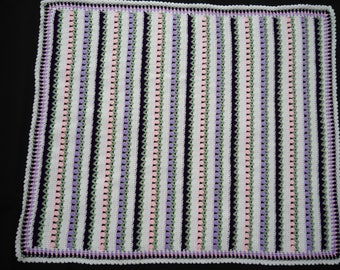 Hand made Crochet Baby Blanket (85cm x 72cm / 34 x 28inches approx)