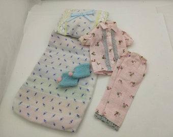 Hong Kong Barbie Pajamas and sleeping bag  fashions Outfit 11 inch doll