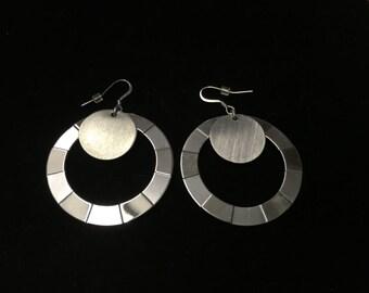 Vintage Dangle Earings, Silvertone, Round