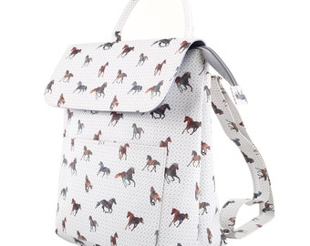 TaylorHe Backpack Rucksack Carry On Bag Zipped Top Majestic Horses.