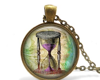 Hourglass necklace Steampunk Jewelry Sand Timer Necklace Clock pendant, Hourglass Pendant, Vintage style necklace, Old world Jewelry Pendant