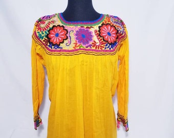 Embroidered Blouse Otomi