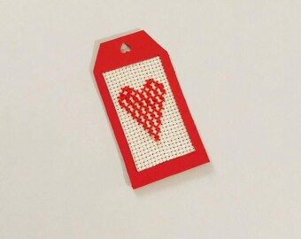 Red Heart Gift Tag