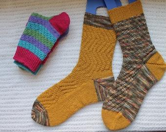 Meandering Socks PDF Pattern