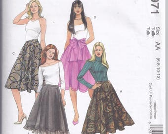 McCalls Pattern 4971 from 20035  Misses A-line Skirts  Waist 23-24