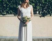 Katia -> Wedding gown in French lace and pure silk. Bohemian wedding dress. Vintage inspired. Romantic bridal gown