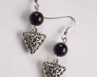 Earrings: triangle or round (agate bead)...?