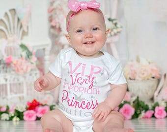 Newborn girl coming home outfit Princess Shirt, VIP Princess Shirt, Personalized Princess Shirt, Princess, Crown, newborn photo prop