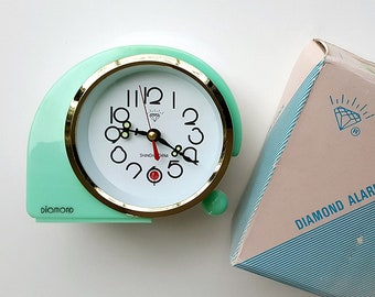 Vintage alarm clock NEW OLD STOCK Unused Wind up working clock Retro desk clock Chinese Diamond Old table clock Mint green Nos