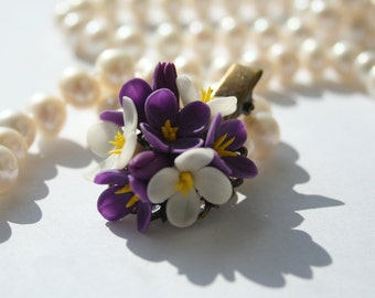 Flower hair clip - purple floral clip. Hair flower. Clay floral clip. Girl hair clip. Polymer clay flower (cold porcelain). Hair accessory.