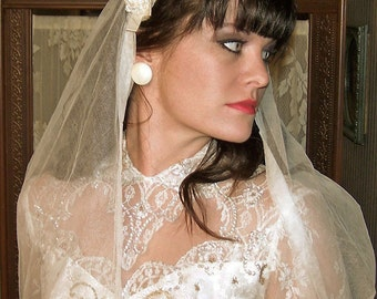 Authentic  ANTIQUE 1920s 30s Ivory Embroidered Bridal English Net Veil MINT condition