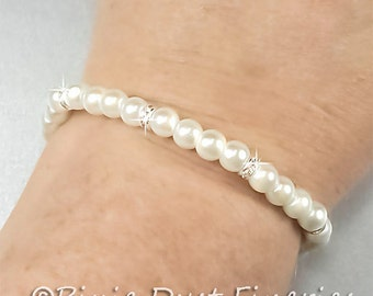 Pearl Bridesmaid Bracelet, White Pearl, Swarovski Crystal Bridesmaid Bracelet, Pearl Wedding Bracelet, Bridesmaid Bracelet -Caroline WB0011