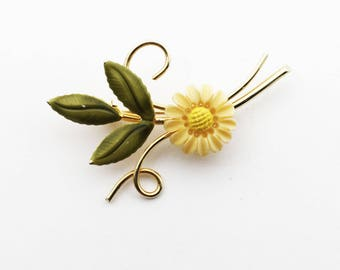 Vintage 1960s Gold Filled Daisy Pin, Green Enamel and Yellow Lucite Flower Brooch