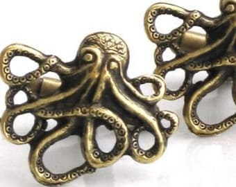 Steampunk - OCTOPUS CUFFLINKS - Antique Brass - Nautical - Neo Victorian - By GlazedBlackCherry