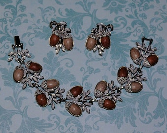 Vintage Gold Toned Thermoset Acorn Link Bracelet and Earring Set