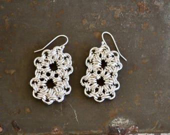 Chainmaille Ohrringe - Silber Doppel Kreis Ohrringe - Flower Design Chainmaille - Sterling versilbert Ohrringe - BALUS Studio