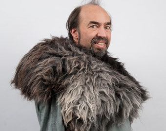 Genuine fur mantle grey brown sheepskin cape larp viking armor warcraft costume cosplay orc barbarian game of thrones sca medieval clothing